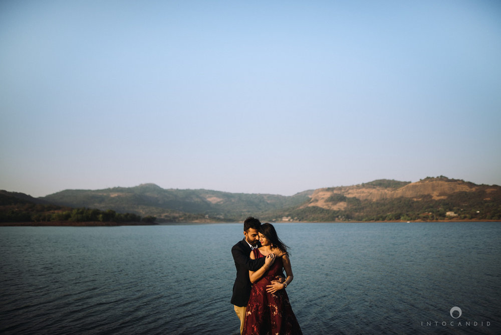 mumbai_wedding_photographer_ketan_manasvi_lonavla_pre_wedding_couple_session_intocandid_photography_13.jpg