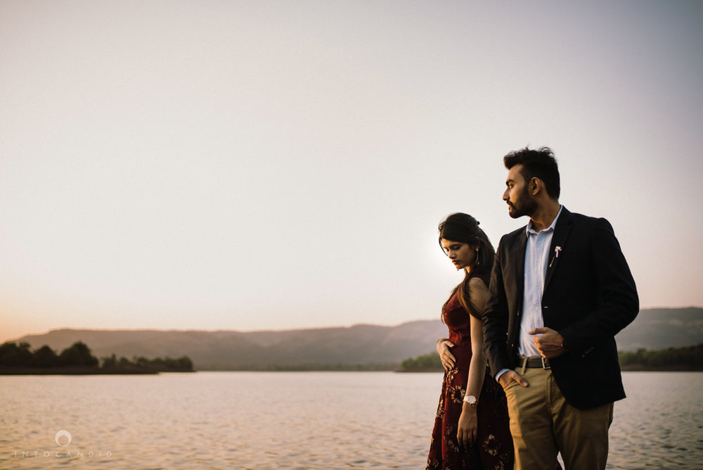 mumbai_wedding_photographer_ketan_manasvi_lonavla_pre_wedding_couple_session_intocandid_photography_17.jpg