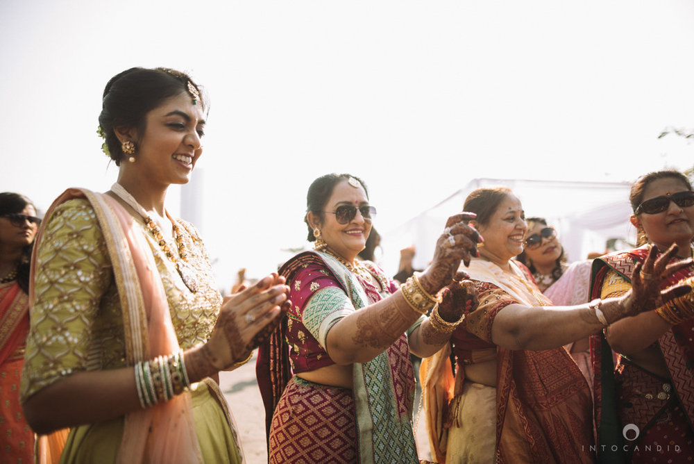 mumbai_candid_wedding_photographer_ketanmanasvi_intocandid_photography_35.jpg