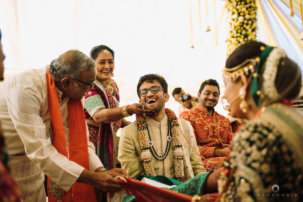 mumbai_candid_wedding_photographer_ketanmanasvi_intocandid_photography_55.jpg