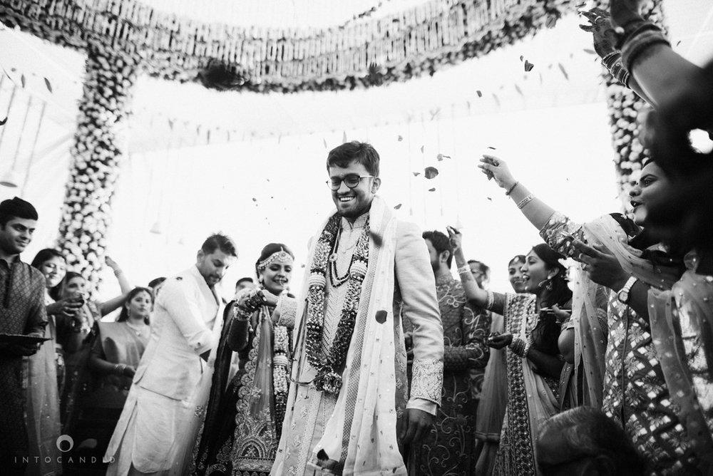 mumbai_candid_wedding_photographer_ketanmanasvi_intocandid_photography_59.jpg