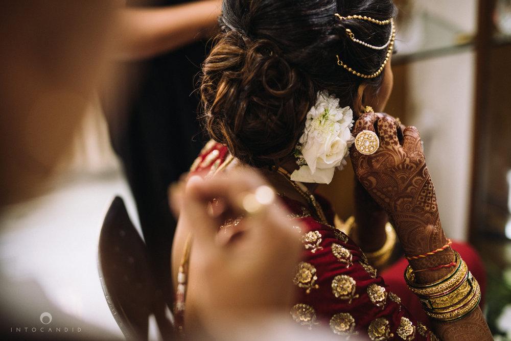 candid_wedding_photographer_mumbai_outdoor_gujarati_wedding_photographer_ketan_manasvi_23.jpg