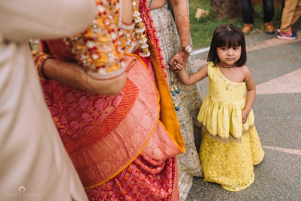 Candid_wedding_photographer_in_mumbai_23.JPG