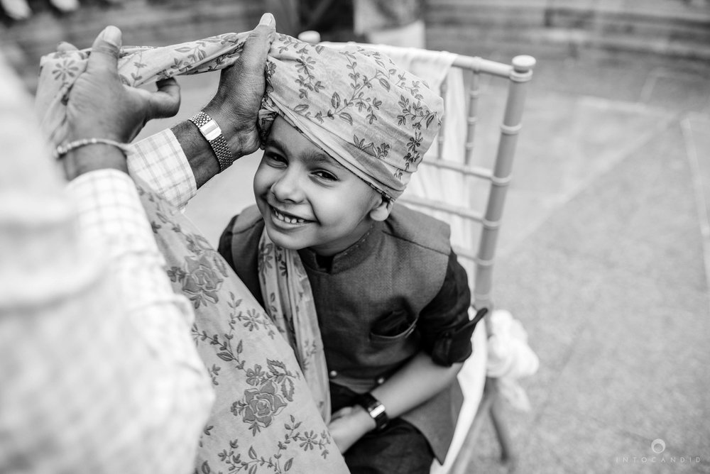 Candid_wedding_photographer_in_mumbai_22.JPG