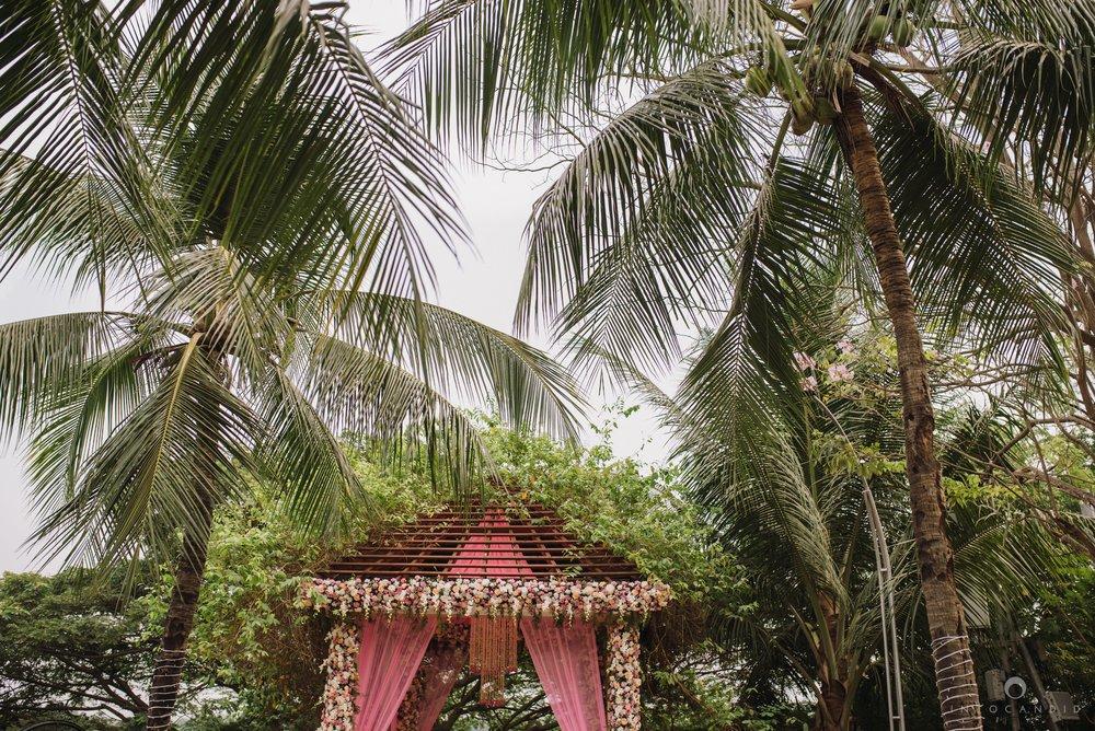 Candid_wedding_photographer_in_mumbai_13.JPG