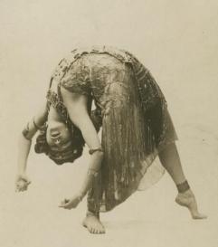 La Sylphe dancing Salome (ca. 1908)