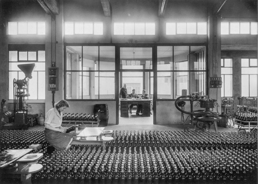 La Rotonde du Consortium en 1947, lorsque le centre d'art était une usine de liqueur Héritier-Guyot.