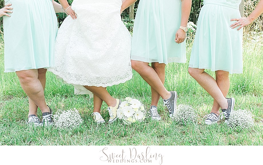 comfy shoes on wedding day converse chuck taylors