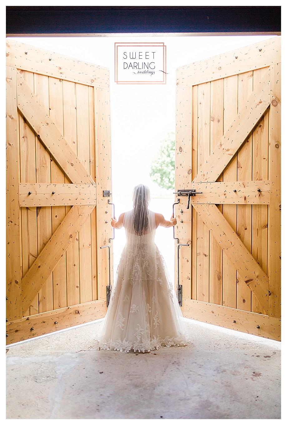 wedding-barn-farm-horses-sparkler-exit-Engelbrecht-Farm-Paxton-Illinois-Sweet-Darling-Weddings-Photographer_0461
