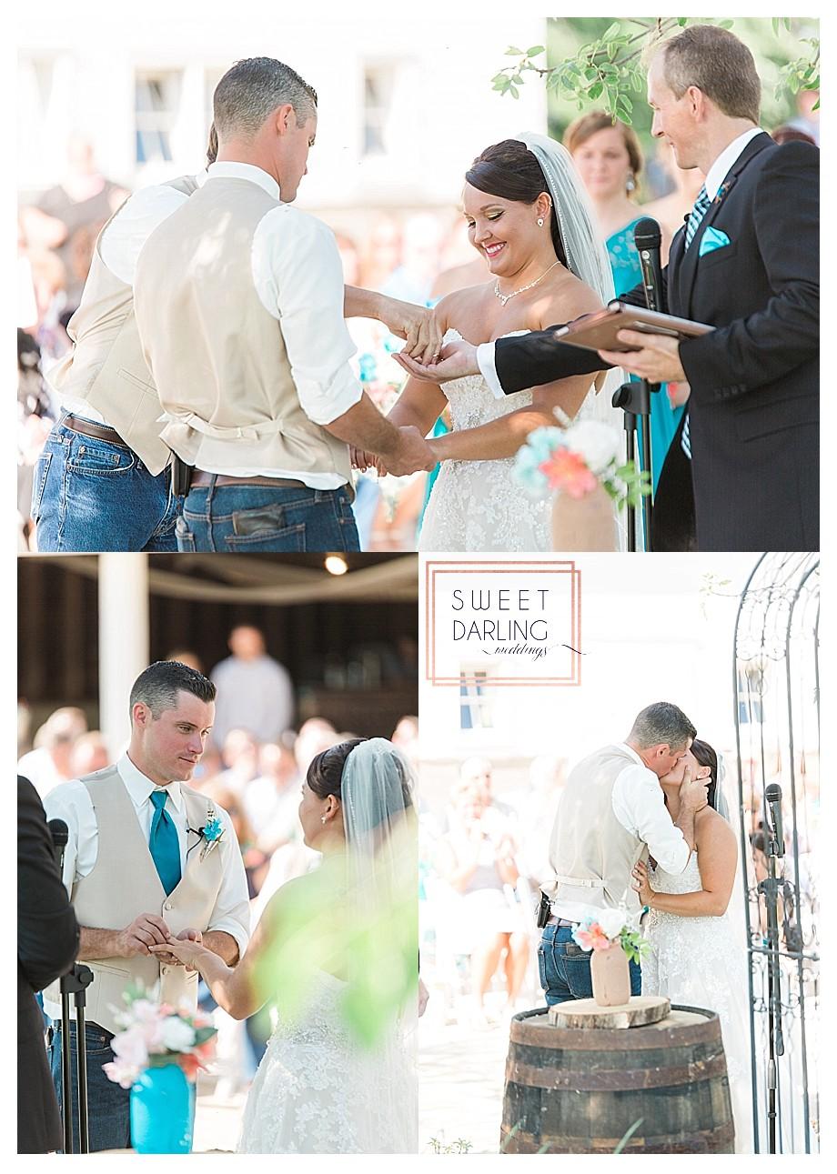 wedding-barn-farm-horses-sparkler-exit-Engelbrecht-Farm-Paxton-Illinois-Sweet-Darling-Weddings-Photographer_0477