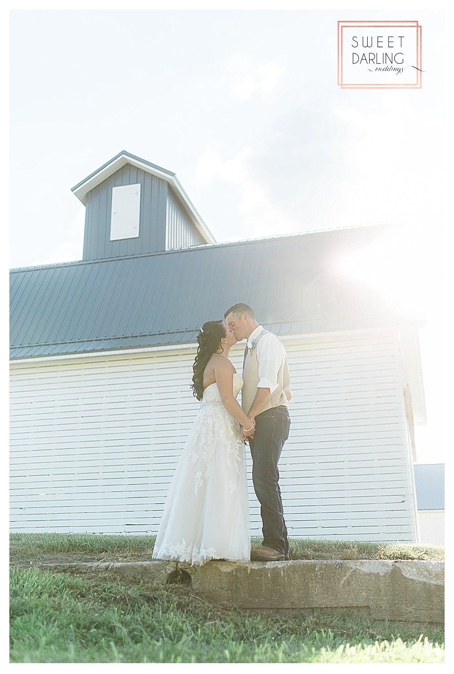 wedding-barn-farm-horses-sparkler-exit-Engelbrecht-Farm-Paxton-Illinois-Sweet-Darling-Weddings-Photographer_0511