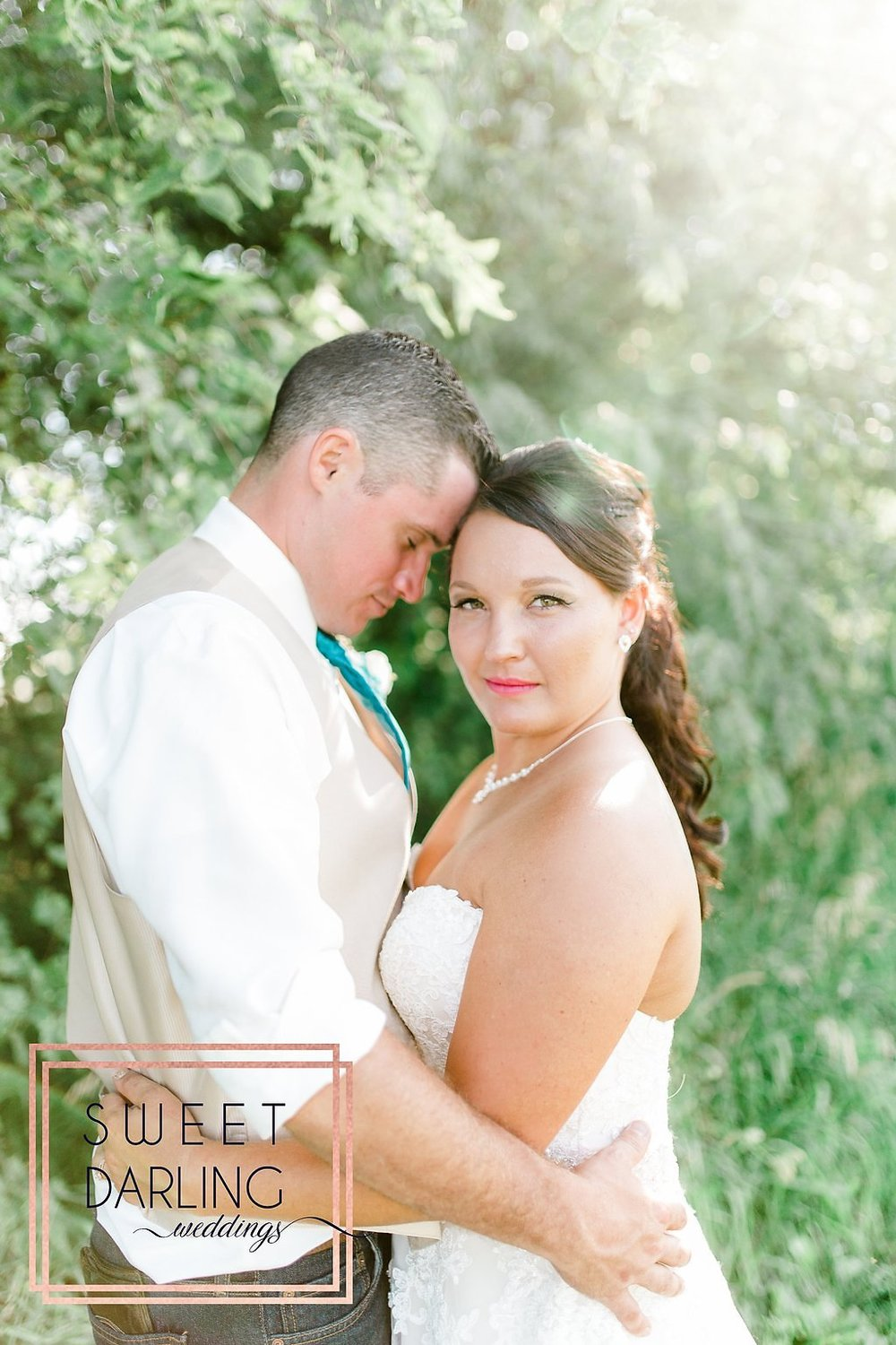 wedding-barn-farm-horses-sparkler-exit-paxton-il-champaign-wedding-photographer-darling-sweet_0268