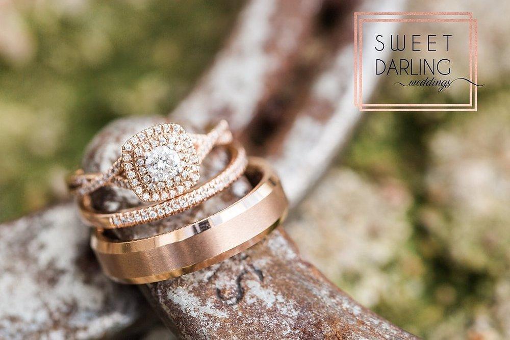 wedding-barn-farm-horses-sparkler-exit-paxton-il-champaign-wedding-photographer-darling-sweet_0272