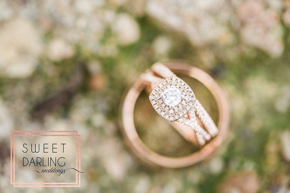 wedding-barn-farm-horses-sparkler-exit-paxton-il-champaign-wedding-photographer-darling-sweet_0273
