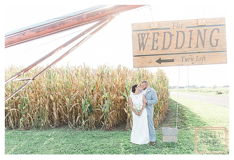 elegant-country-barn-wedding-hudson-farm-urbana-illinois-sweet-darling-weddings-photography_0642