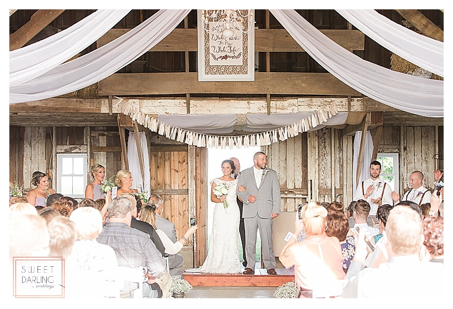 elegant-country-barn-wedding-hudson-farm-urbana-illinois-sweet-darling-weddings-photography_0655