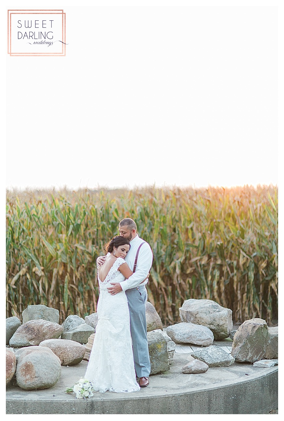elegant-country-barn-wedding-hudson-farm-urbana-illinois-sweet-darling-weddings-photography_0700