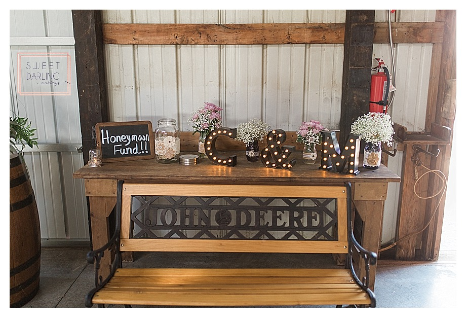 elegant-country-barn-wedding-hudson-farm-urbana-illinois-sweet-darling-weddings-photography_0705