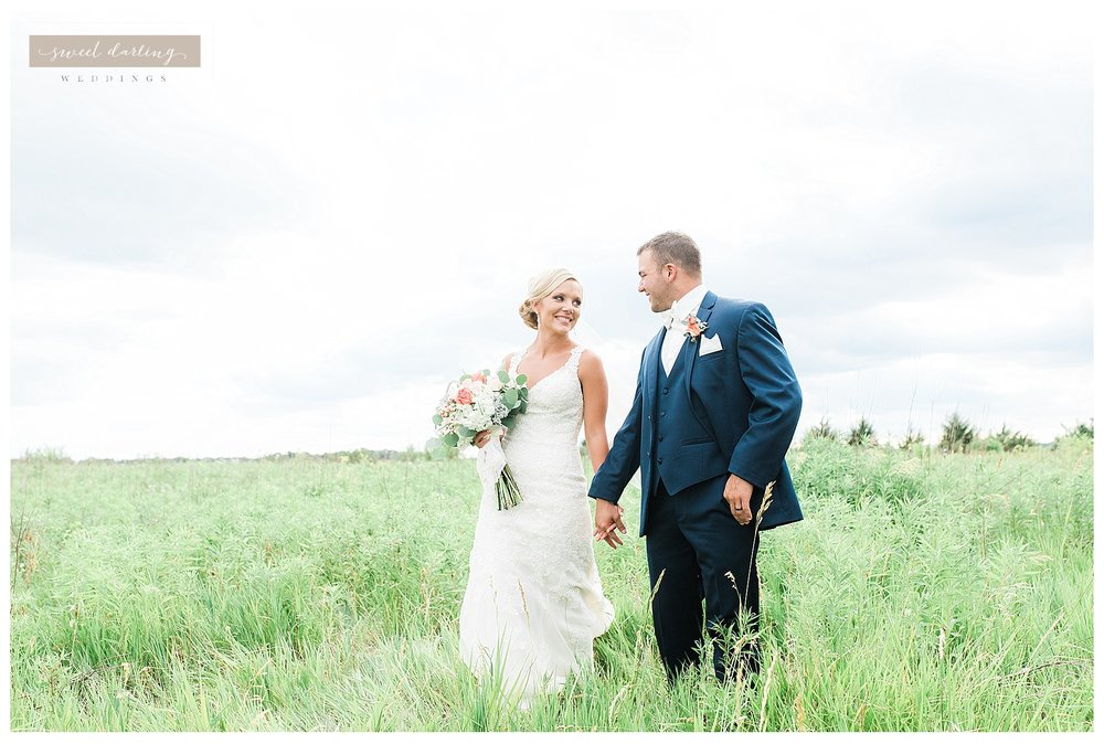 Paxton-illinois-engelbrecht-farmstead-romantic-wedding-photographer-sweet-darling-weddings_1241.jpg