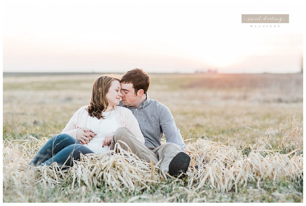 Rantoul-illinois-engagement-session-country-wedding-photographer-sweet-darling-weddings_1249.jpg