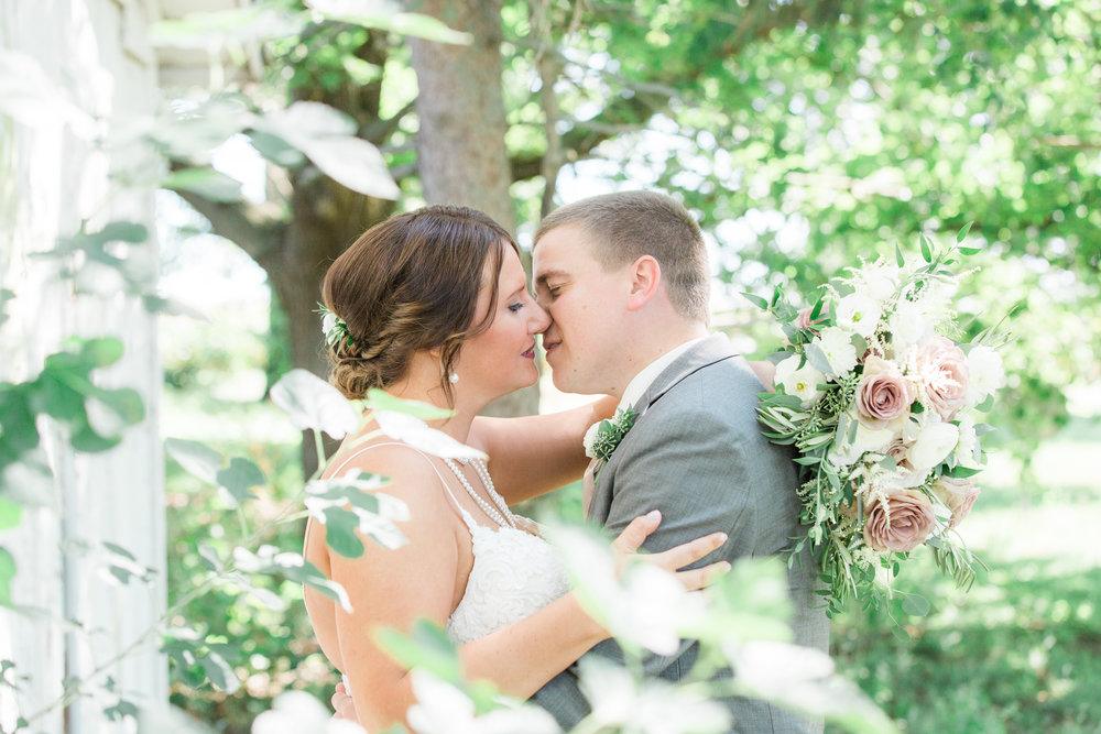 Pear-Tree-Estate-Central-Illinois-Wedding-Photography-fall-Champaign