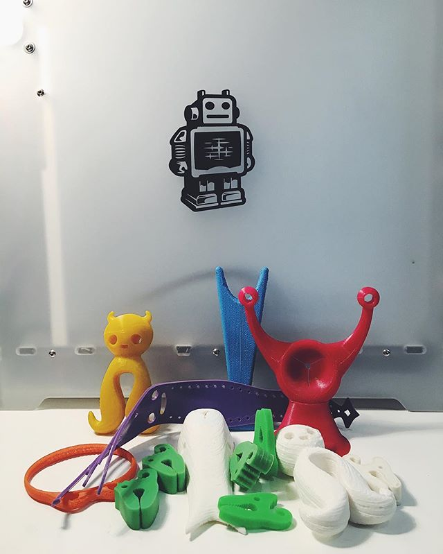 It's been a long journey! Here's some of the first attempts at #3Dprinting the #densters 🐌 🐙 🐥🐊🐋 #CAD#ultimaker#3dprintedtoy#dens#denbuilding#denbuildingtoys#startups#kickstarter