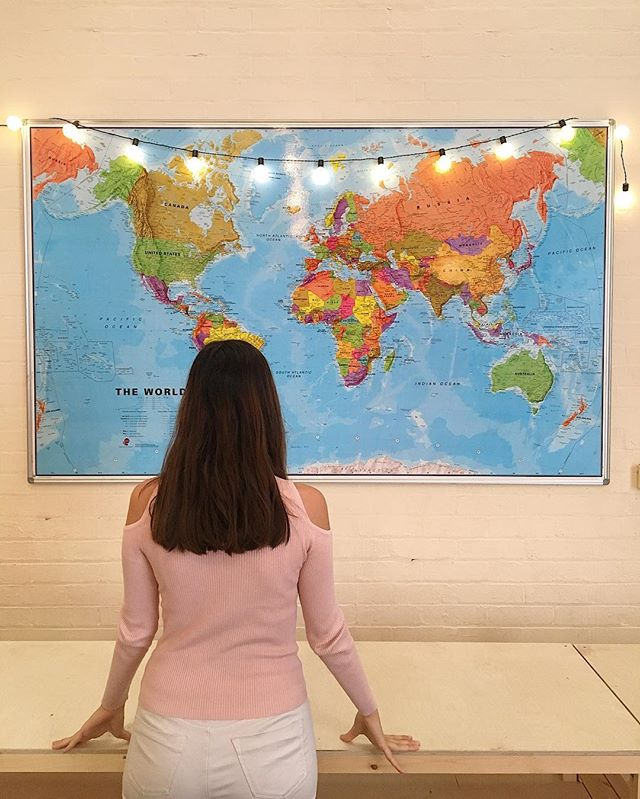 v i s u a l i s e 🌎 #startup#startuplife#kickstarterproject#densters#worldmap#inspiringoffice#officedecor#brickwall#mapwall#fairylights#diywalldecor