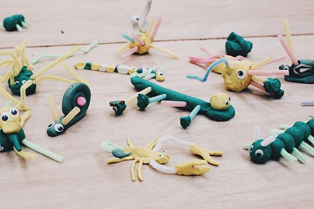 Our amazing kids created in plasticine another family of toy monsters to keep the densters company 🤗🤗🤗🤗 🦎🕸🐣🐸🐙#dens#forts#diy#buildafort #tent#creativetoys#timeoutlondon#inspiringkids#cutebabies#imagination#happykids#inspiring#creativeminds#furniture#design#doublefunction#diytoys#toysforkids#kickstarter#makerversity