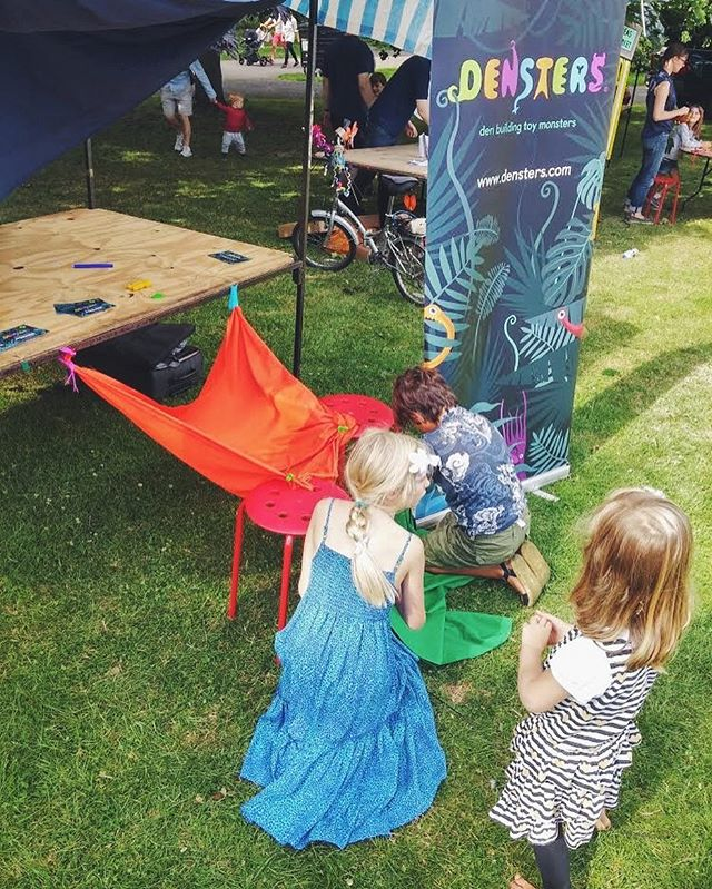 Taking over our #densters stand at #DiscoLoco to build their own dens! ⛺️