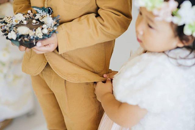 - 結婚式は新郎新婦の愛はもちろん、色んなところに愛情が溢れています。 - 1つの仕草から伝わる兄妹愛。 - #結婚式 #結婚式準備 #結婚式場 #結婚式レポ #結婚式コーデ #前撮り #前撮り写真 #前撮り撮影 #前撮り準備 #2019婚 #2019結婚式 #結婚式準備記録 #結婚式準備中 #結婚式準備スタート #tokyolife #tokyotrip #東京結婚式 #東京結婚式場 #東京結婚式写真 #モノクロ #wedding #weddingdress #weddingphotography #weddings #weddingphotographer #weddinginspiration #weddingideas #weddingmakeup