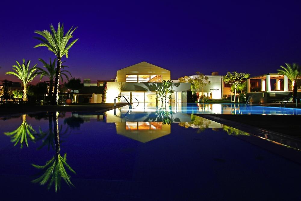 hotel noc.jpg