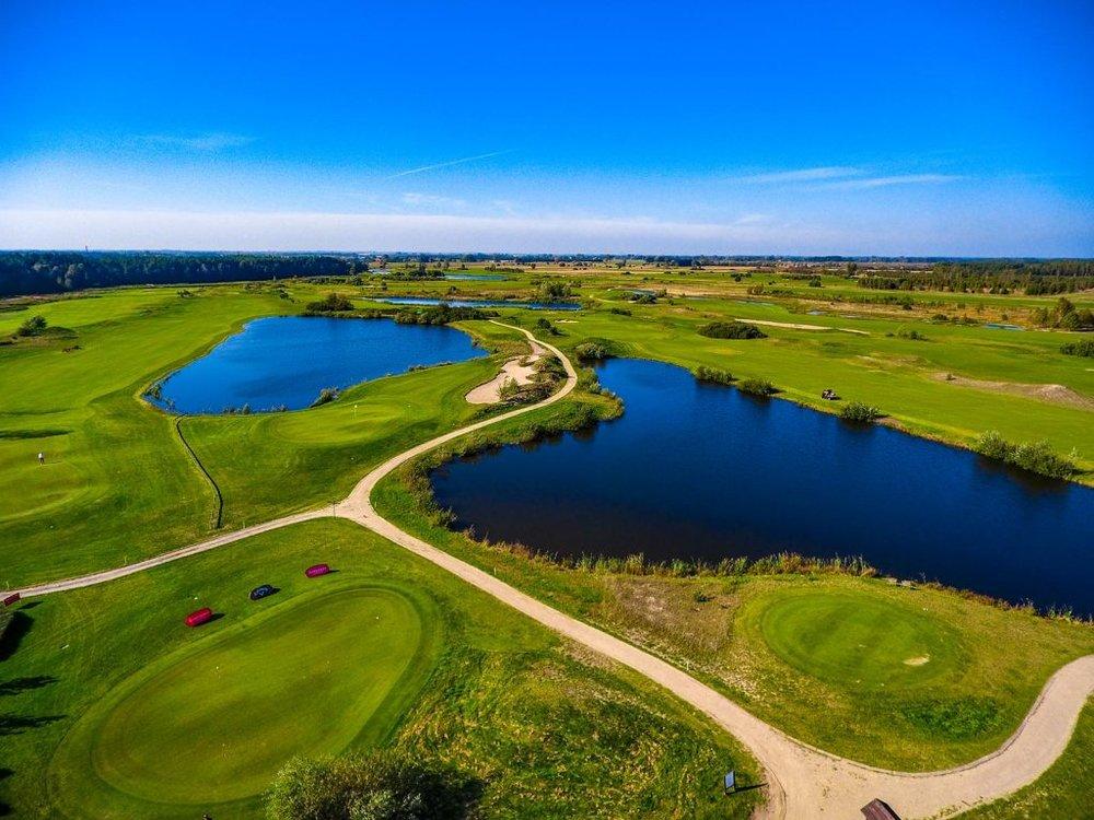 Sobienie_Krolewskie_Golf_Club_Pole_Golfowe_10_1600_q6-1024x768.jpg