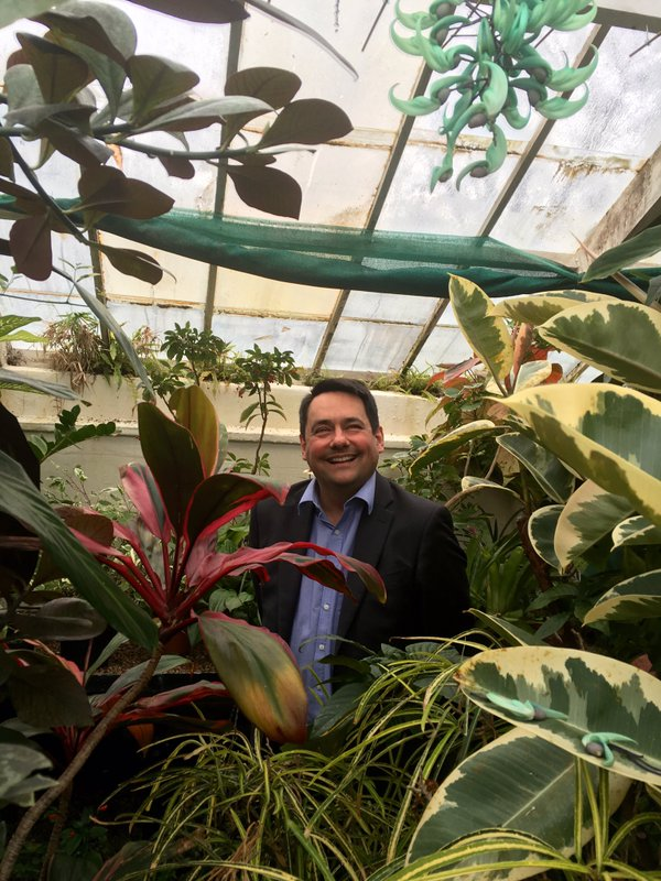 Visiting the rare Jade Green Vine at Croxteth Hall