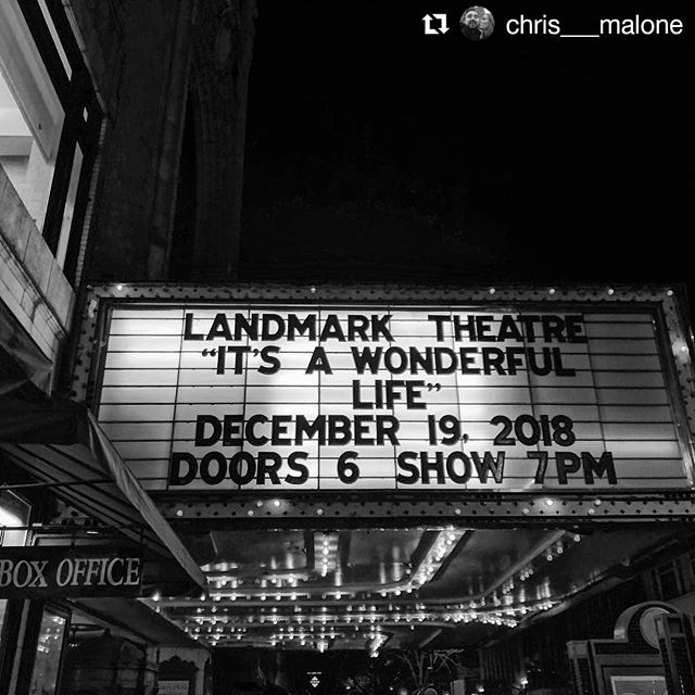 The holidays in the city 🎄❤ #Repost @chris___malone ・・・ Holiday cheer and moon wranglin' | The Landmark Theatre, Syracuse • • • #ExperienceSYR #Experiencesyracuse #Syracuse #holidaysinthecity #LandmarkTheatre #itsawonderfullife #christmasmovies #holidays #sharesyr #exploresyr #exploreny #nyloveswinter #iloveny #iheartupstate #cny