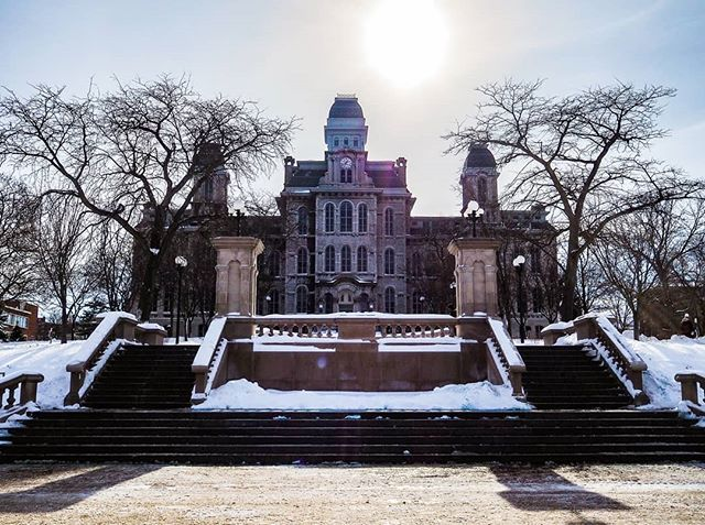 Hey @syracuseu, snow looks pretty good on you ☃️ #nationalcomplimentday • • • #ExperienceSYR #Experiencesyracuse #HeartofSyracuse #ShareSYR #exploresyr #syracuseuniversity #GoOrange #cnyweather #winter #CNYwinter #winterincny #SYRloveswinter #NYloveswinter #iloveny #iheartupstate #snow #cities #local #photography #photoamateur