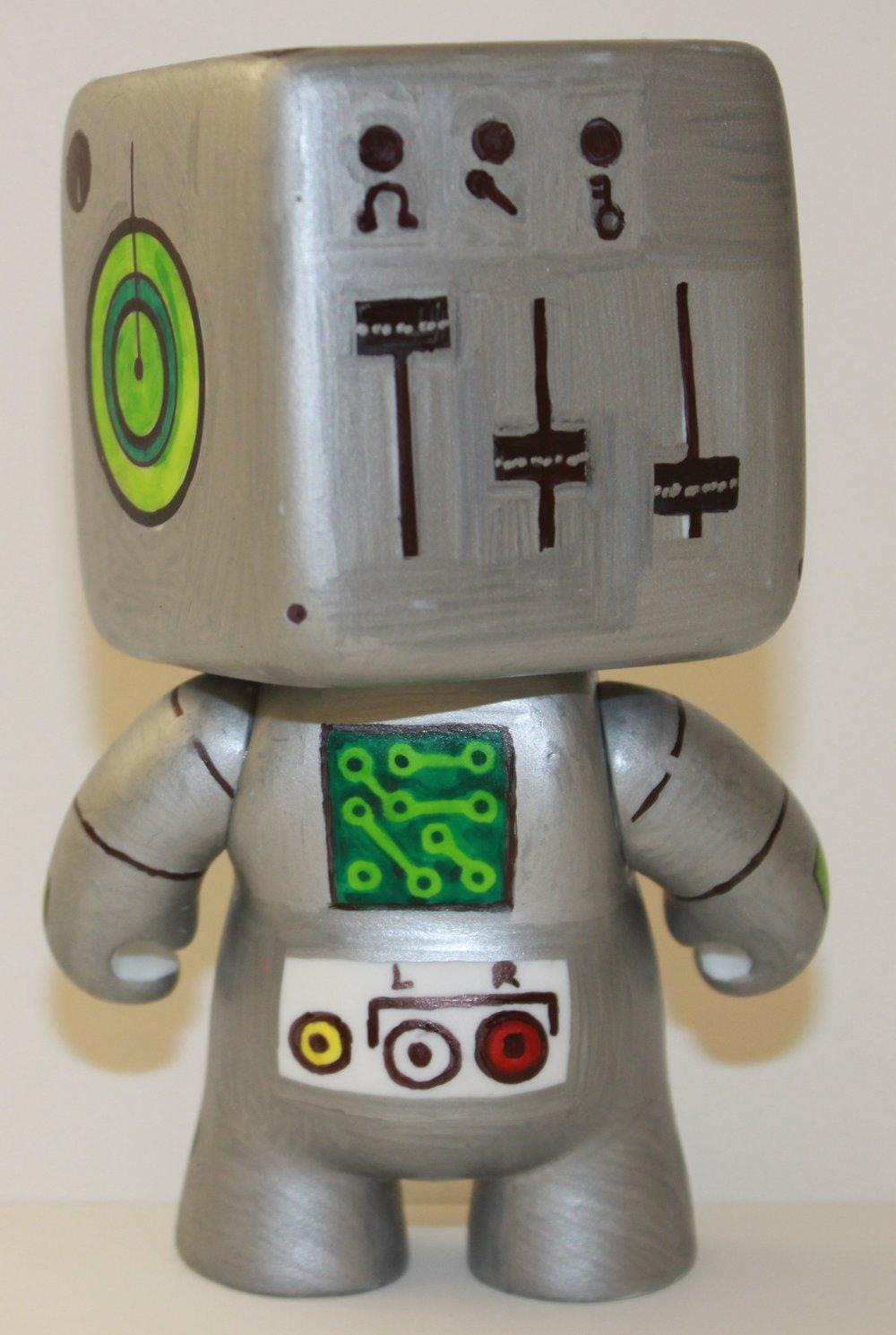 Vinyl Character Design - Stereobot