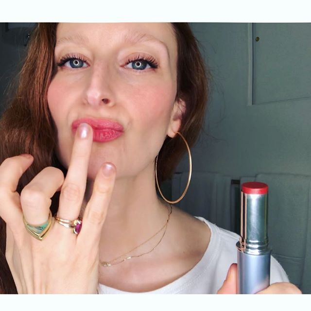 Up close and personal in my latest YouTube video showcasing my @vapourbeauty lip+ cheek color wardrobe. 💋🧡 link to my YouTube channel is in my bio, courtesy of @thechalkboardmag 💜
