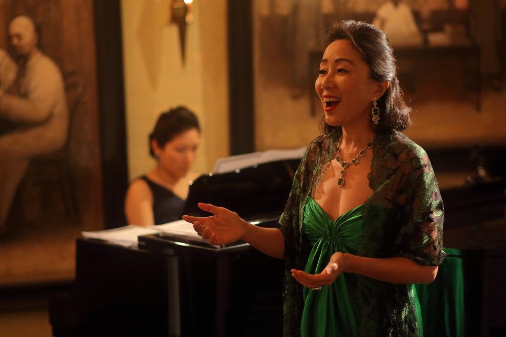為野生動物歌唱募捐音樂會皇冠酒窖俱樂部香港