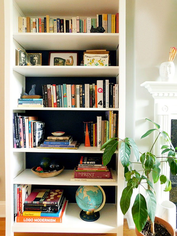 Sarah Montgomery Design How to style a bookshelf when you have a lot of books