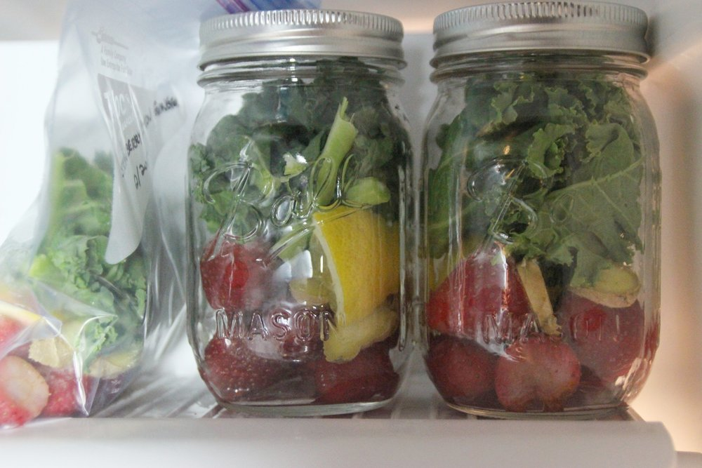 green-smoothie-prep-store-in-freezer
