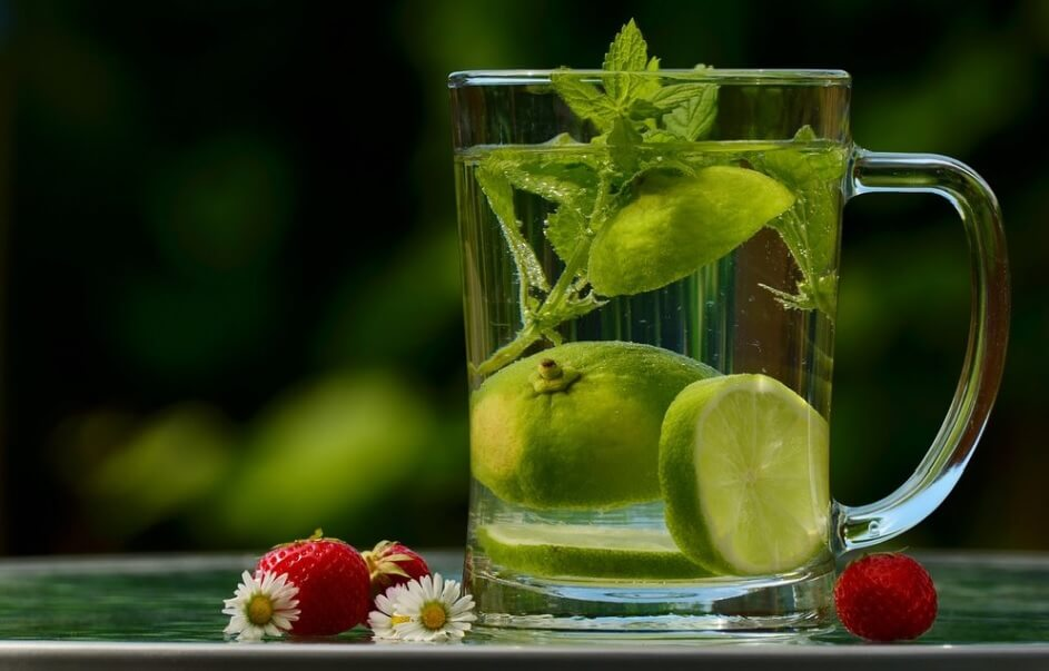 Lose-weight-fast-by-drinking-water