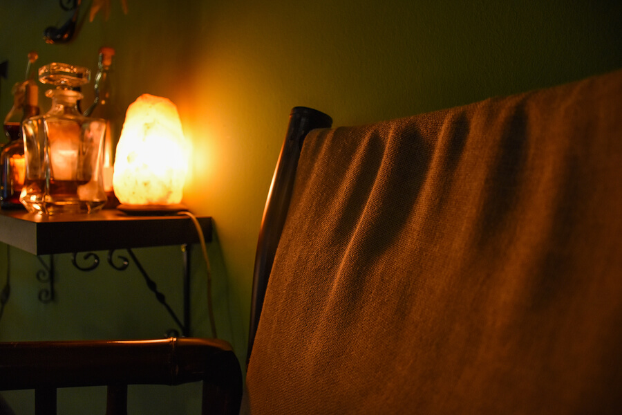 unique-gifts-for-mom-salt-lamp