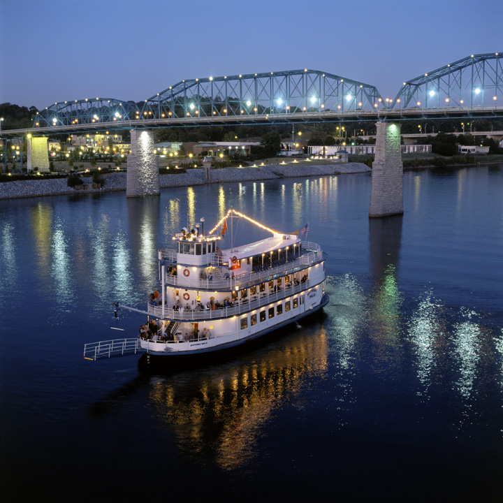 Southern Belle Riverboat Lunch and Dinner Cruises through New Years!