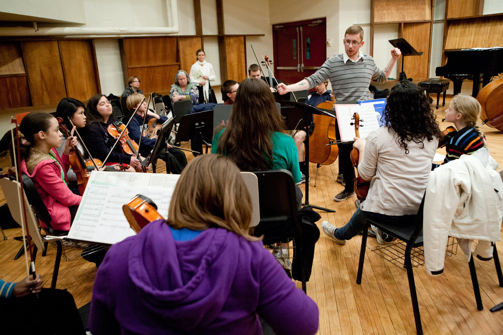 Conducting the String Sinfonia UMass Lowell String Project