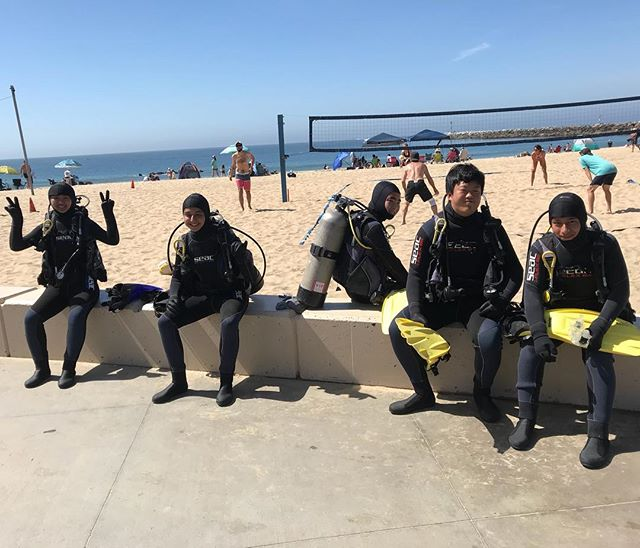 Students ready to dive on a beautiful Saturday morning!!🐠🐟🐬🐙🦀🐡 #leftcoastscuba #scuba #scubadiving #highschoollife #summerishere #divelife