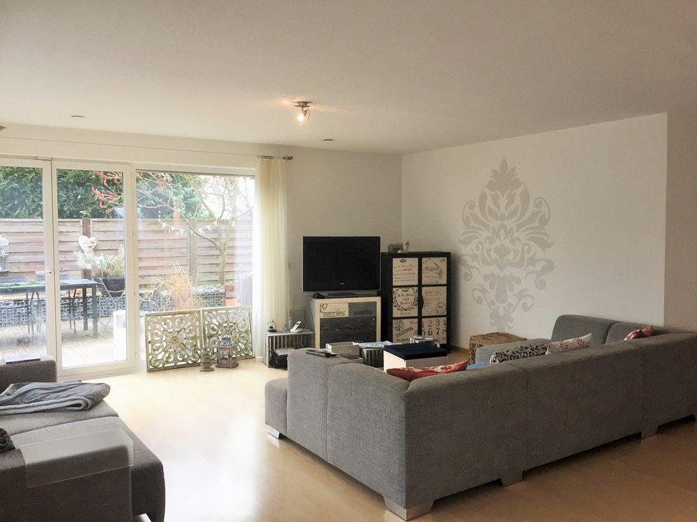 Immobilienverkauf und Immobilienvermarktung mit Video von Häuser sowie Wohnungen und Neubauprojekte Immobilienmakler in Zug und Zürich Einfamilienhaus Wallisellen reserviert