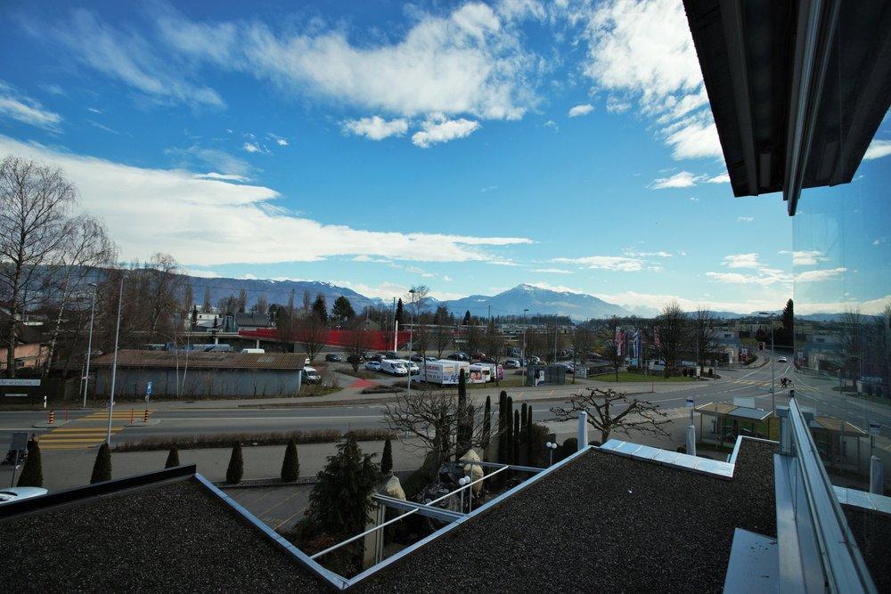 Ausblick von Balkon.jpg