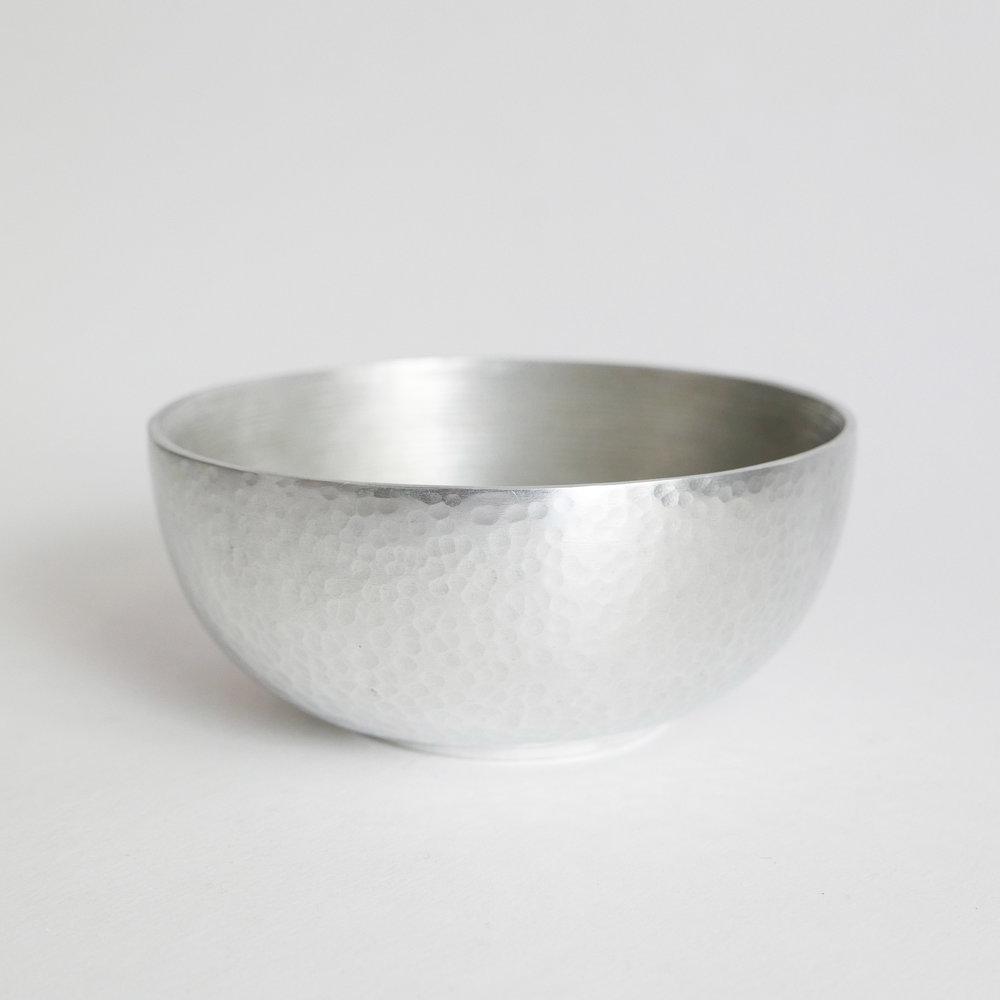 18€ - Coupelle en aluminium martelé. Datcha