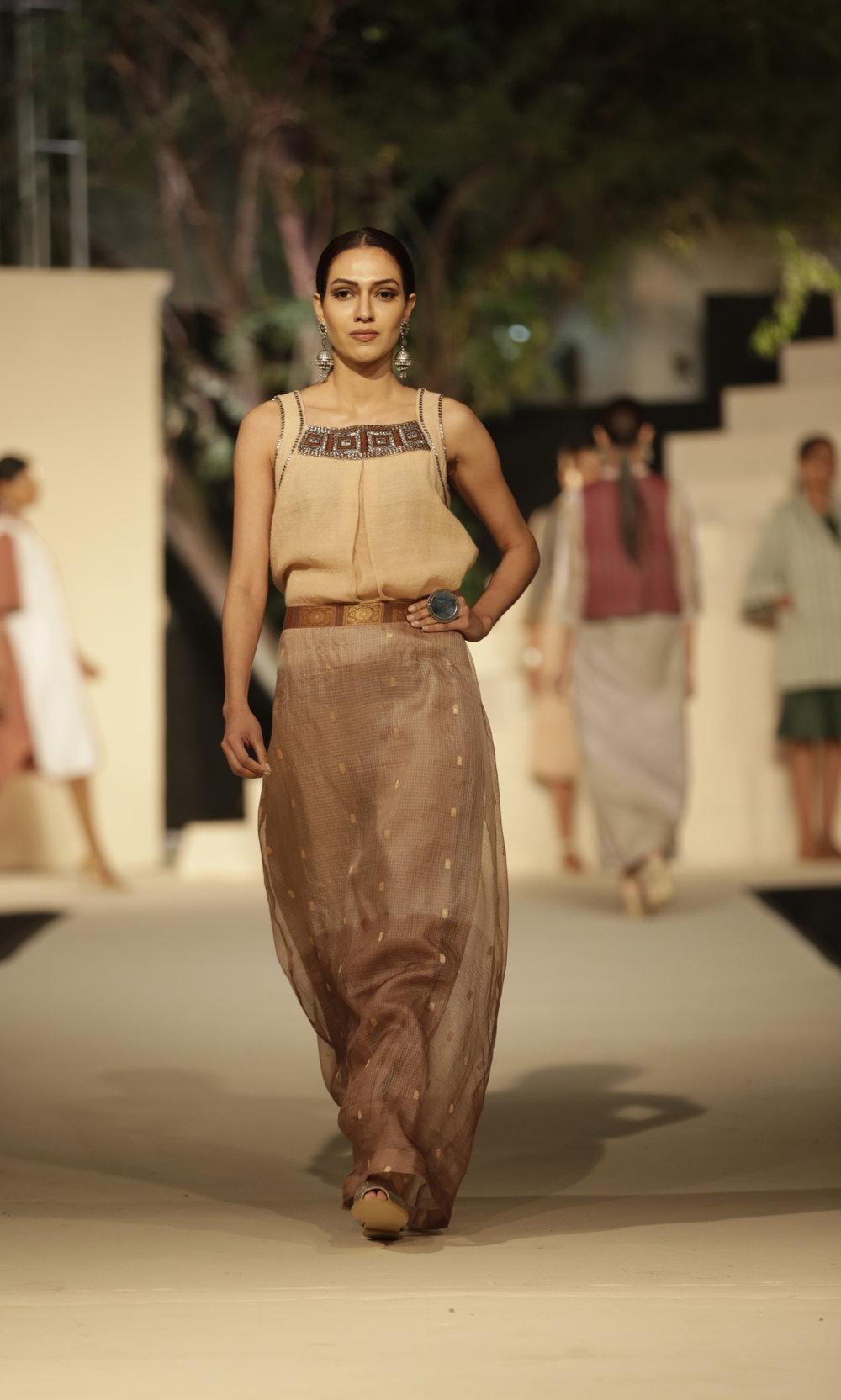 RH1101 Top   RH1102 Skirt