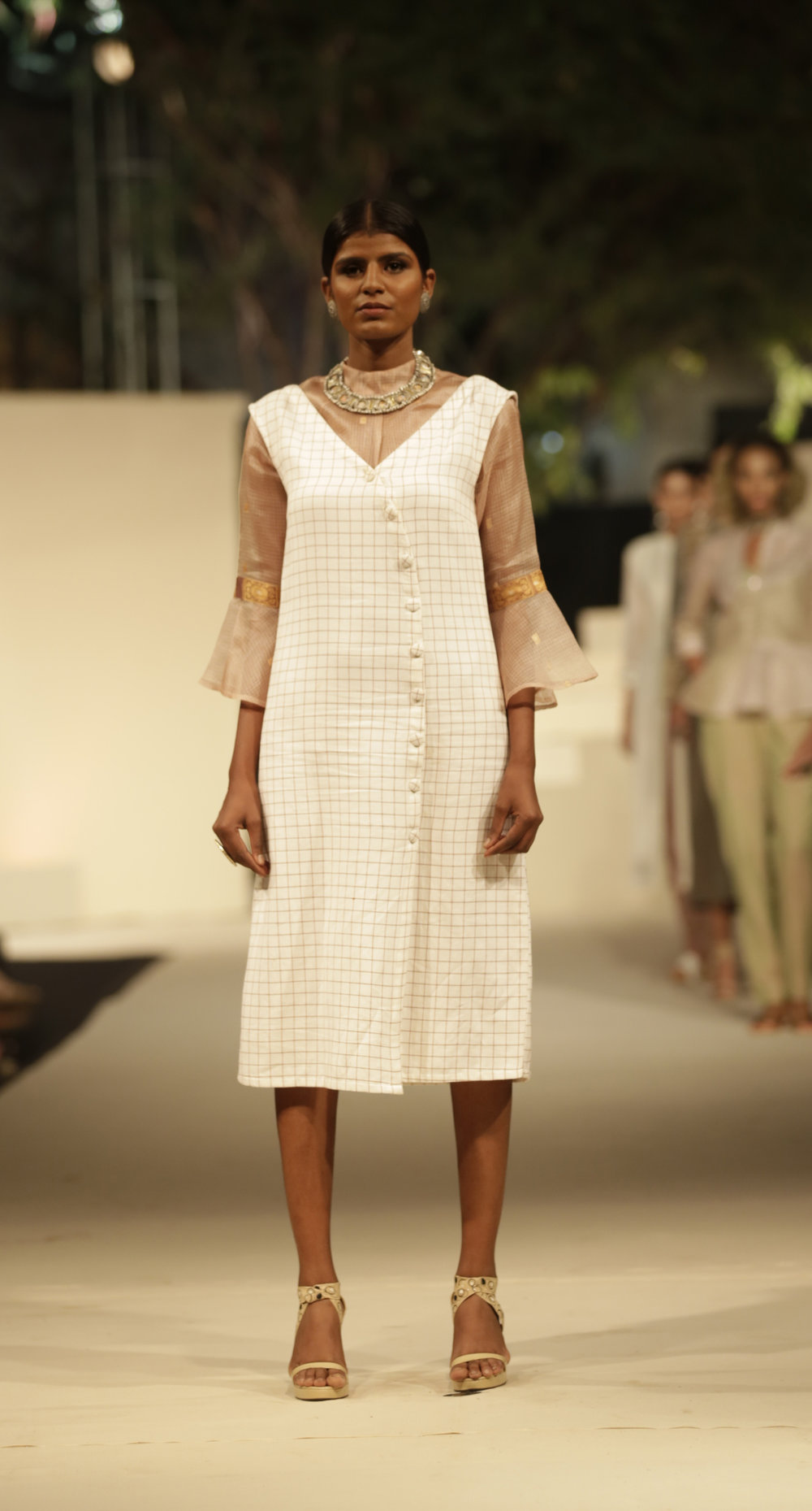 RH0501 Top   RH0502 Dress